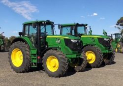 6R vs 6M John Deere Tractor Walk Around