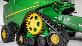 Track system, draper and mobile app new for 2019 John Deere Combines